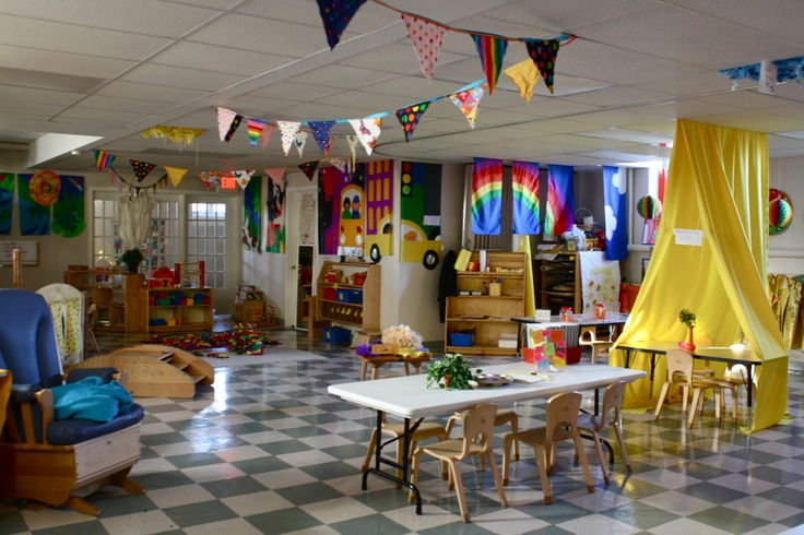 Preschool classroom <3 if on,y real classrooms were this big!!!