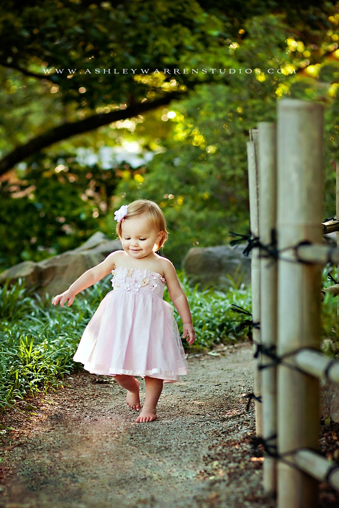 Love the setting and look how sweet the shot is of the little girl.