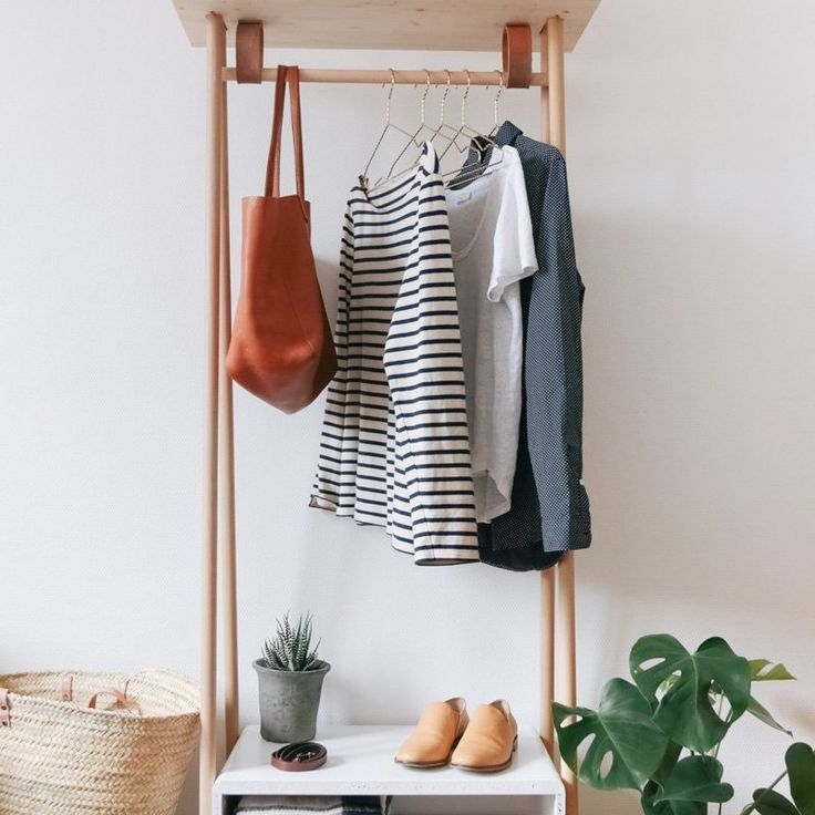 Un portant avec des rangements bas - Marie Claire Idées - DIY clothes rack