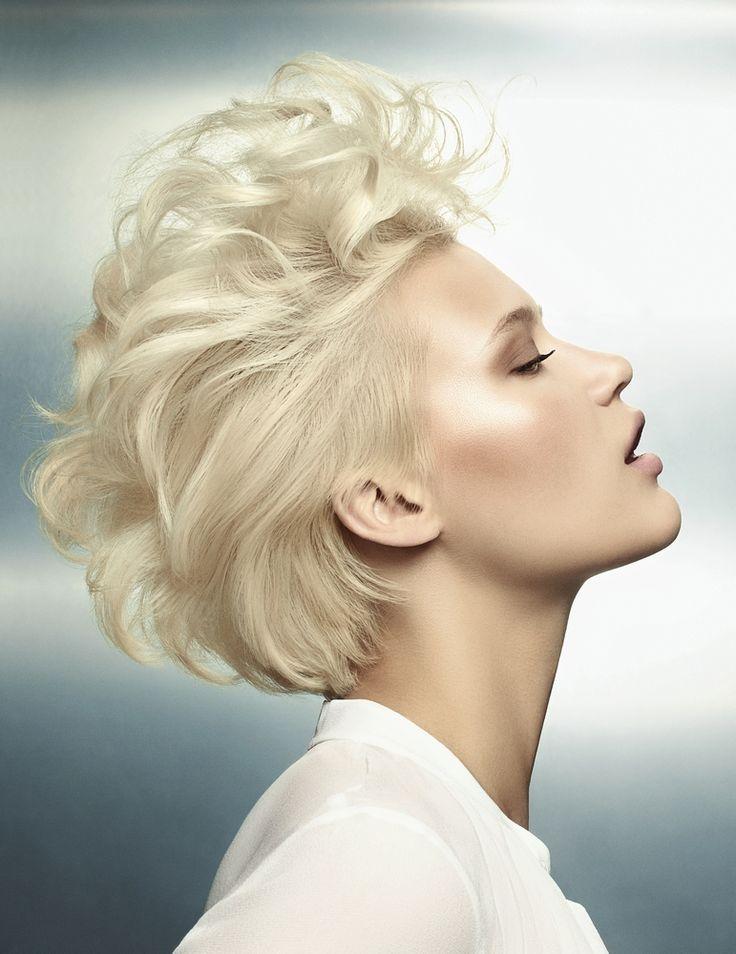 Coupes courtes : le tendances de l'automne hiver   frizura   Cheveux courts blonds, Coiffures ...