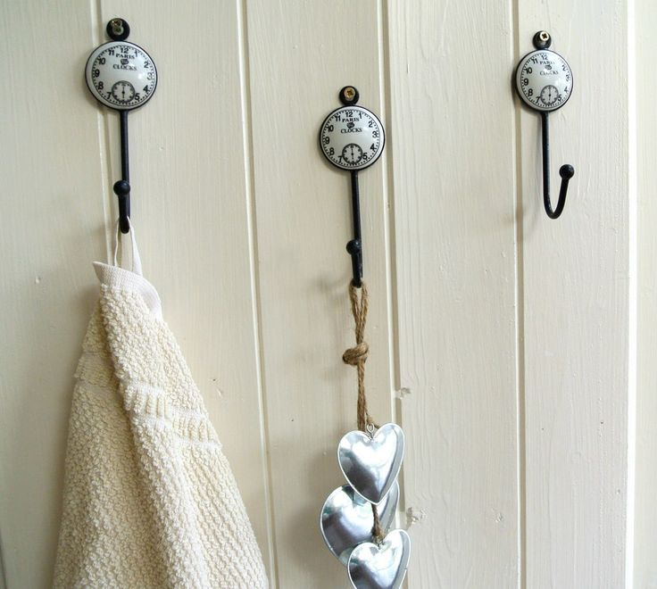 NEW Shabby Chic Boutique brings you this vintage style door hook. Fabulous for the kitchen/bedroom/office/ study etc  With vintage style clock face  Priced at £4.50 Payment by Paypal  Please read our Term and Conditions