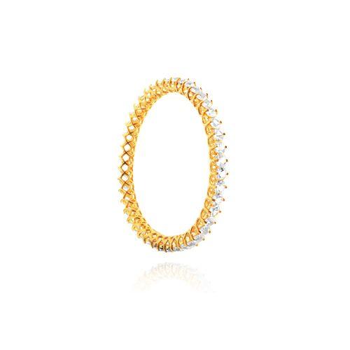 Pulseira Cristal: folheado em ouro, prata, rose ou prata negra Peça com cristais de 5 mm Peso: 22 grs Comprimento (s): Grande e Pequeno Ref: D046 Link: www.gsstore.com.br