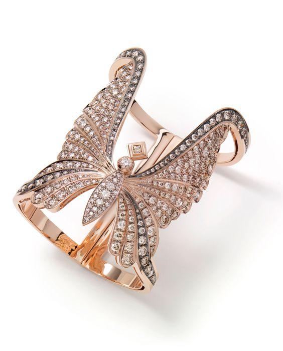 Bracelet in 18K rosé gold with diamonds pavé. H.Stern Rock Season collection.