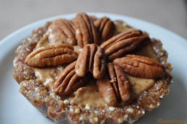"""Вегетарианские и сыроедческие рецепты: Сыроедческое пирожное """"Ореховая радость"""""""