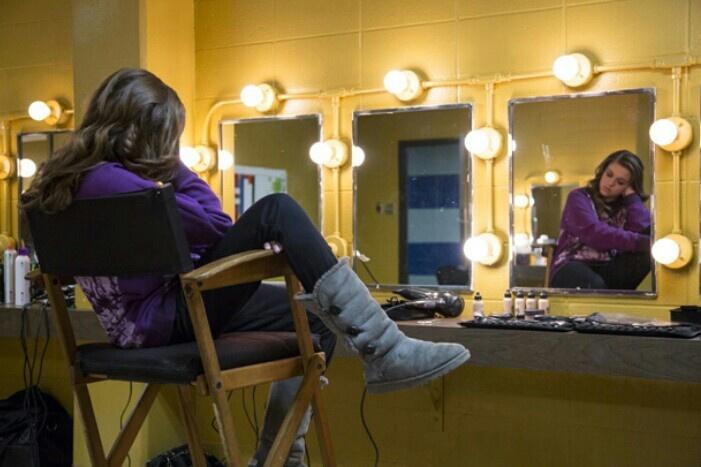 129 best sadie robertson images on pinterest duck for Celebrity dressing room mirror