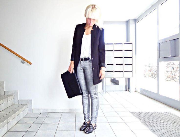 Silvriga jeans byxor silver H&M w30 l32 M på Tradera.com - Damjeans