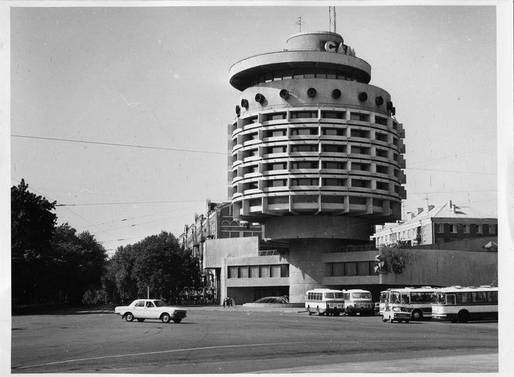 "Hotel ""Salute"". Image © O.Ranchukov 1987"