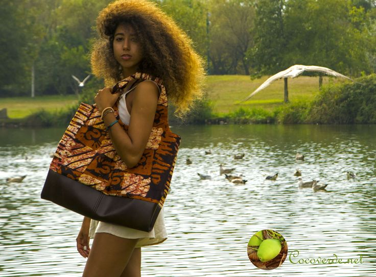 Glorious Sara Bombarda with out splendid Handbag Namibe! More info: http://cocoverde.net #Angola #CôcoVerde #Unique #Handcrafted