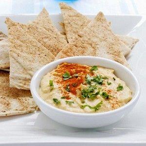 Хумус с печеным чесноком и петрушкой