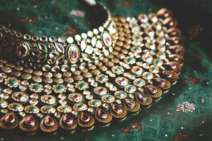 beautifulsouthasianbrides:  Necklace by:Khuranna Jewellery House