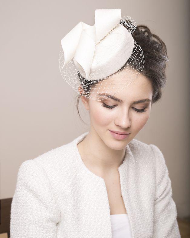 Haarschmuck & Kopfputz - Braut Wolle Hütchen, Putzmacher Hut, Hut Schleier - ein Designerstück von BeChicAccessories bei DaWanda