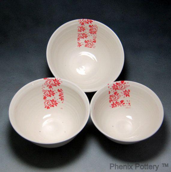 Rojo y blanco porcelana fina porcelana TIGELA Set por PhenixPottery