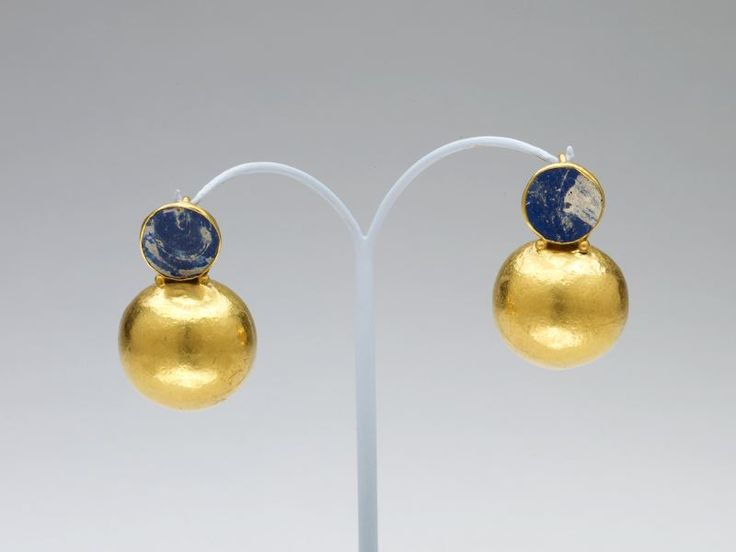 Roman        Pair of Earrings, 1st/2nd century A.D.              Gold and glass