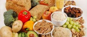 15 Cibi Ricchi Di Fibre Che Saziano. Tra cui lenticchie,broccoli,pere, mele ,orzo,carote ,carciofi, mandorle