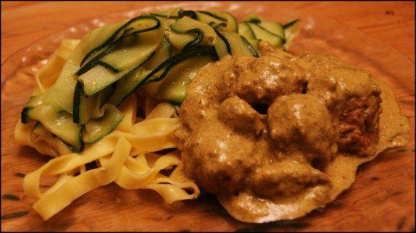 Boulettes de bœuf coco curry et tagliatelles