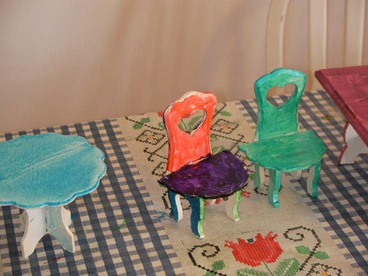 las sillas...