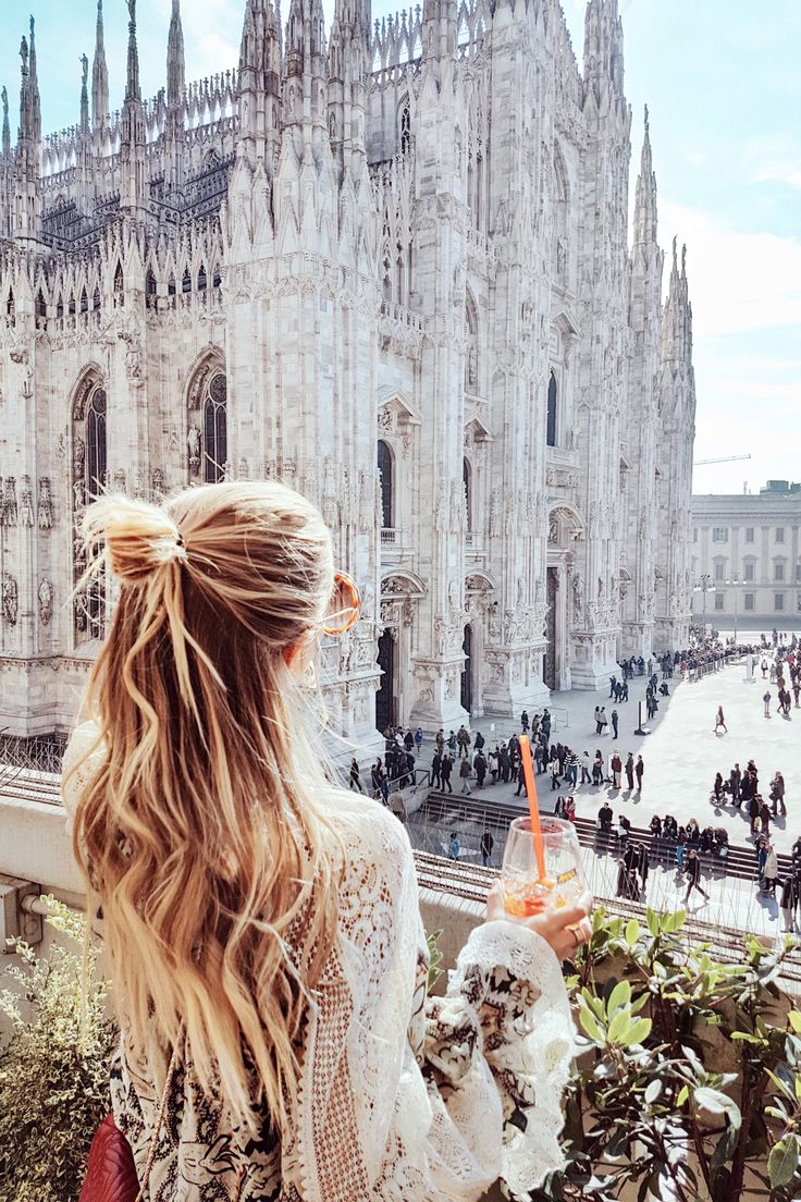 Il Duomo I Milan: http://www.ohhcouture.com/2017/03/monday-update-45/ #ohhcouture #leoniehanne
