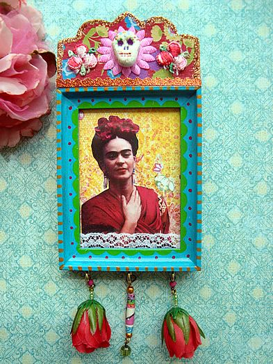 Little Frida Kahlo shrine by filzgood.  Could have Spanish 5 make one for famous Latinos (or artists) for Día de los Muertos