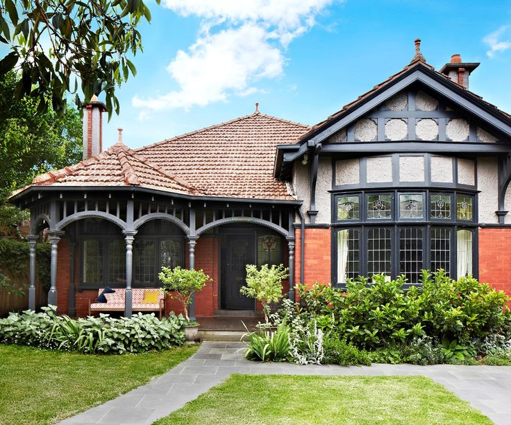 See how this Melbourne Federation home has undergone two renovations while retaining many of its original features.