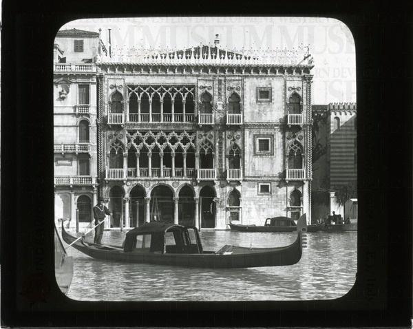 Palazzo Ca d'Oro, Venice (N.E.), Italy   saskhistoryonline.ca