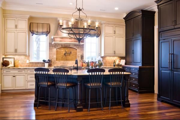 Kitchen IdeasCream Cabinets, Dreams Kitchens, Black Cabinets, Kitchens Ideas, Blue Kitchens Islands, Kitchen Ideas, White Cabinets, Kitchens Cabinets, Black Islands