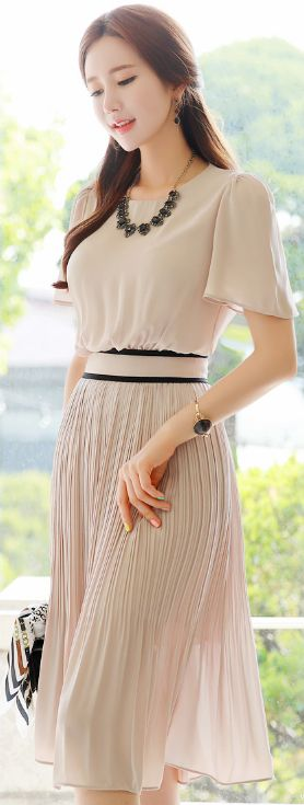 StyleOnme_Short Sleeve Pleated Long Dress