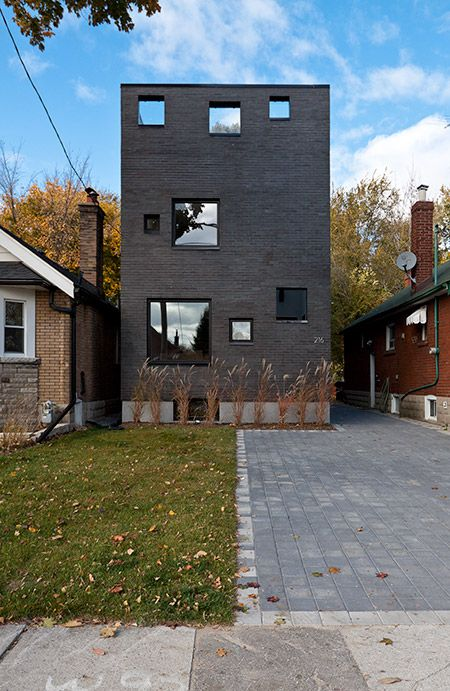 Google Image Result for http://www.rzlbd.com/img/2010_charcoal_house_south_elevation.jpg