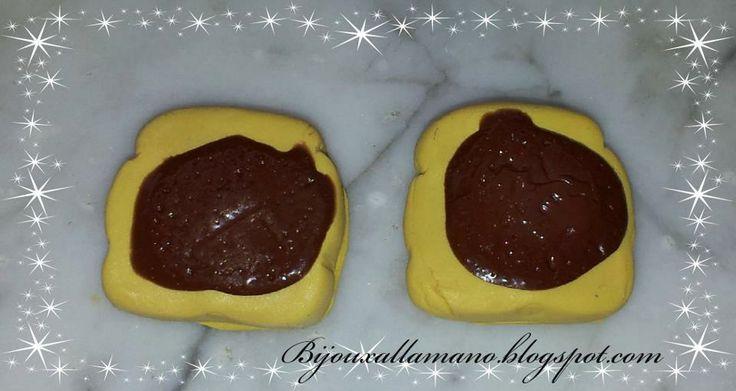 Fette di pane e nutella Si possono usare come decorazioni, ciondoli, calamite etc...