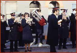 legerdesheils orkest, liepen vroeger door de straten