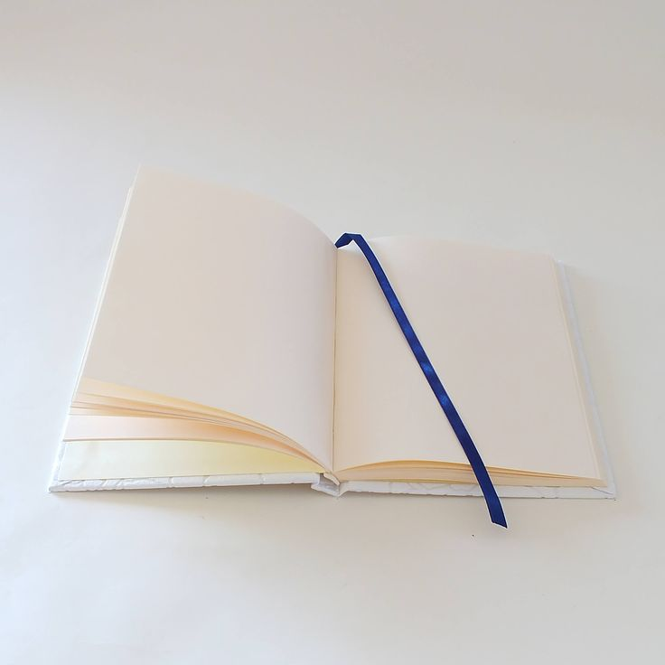 This is a handmade notebook. All pages are individually hand folded,pressed then hand stitched and bound together. The cover also is manualy made - cuted, bonded and lined with cotton-backed textured vinyl.  Ready to ship.   DETAILS: -Dimensions: 150mm * 210mm * 16mm (aprox.) -Paper: 80gsm, ivory colored -80 sheets (160 pages) -blank pages ----  The paper used is certified: - FSC® or PEFC™, which guarantees that wood comes from sustainably managed forests. - EU Ecolabel, the European…