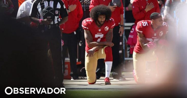 Quando os jogadores de futebol americano se ajoelharam em protesto, a NFL entraria no 1º dia de um annus horribilis. As audiências baixaram e Kaepernick, o líder, perdeu o trabalho. Mas será só isso? http://observador.pt/2018/02/04/o-ano-assombrado-da-nfl-como-o-duelo-trump-kaepernick-arruinou-as-audiencias-do-futebol-americano/