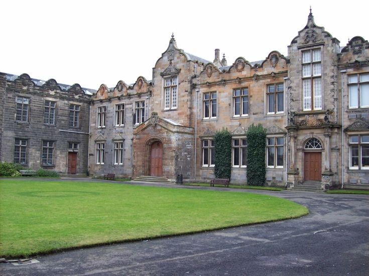 St Salvator's Quad — University of St Andrews, Scotland | 21 College Campuses That Make You Feel Like You're At Hogwarts.... THAT'S MY SCHOOL!
