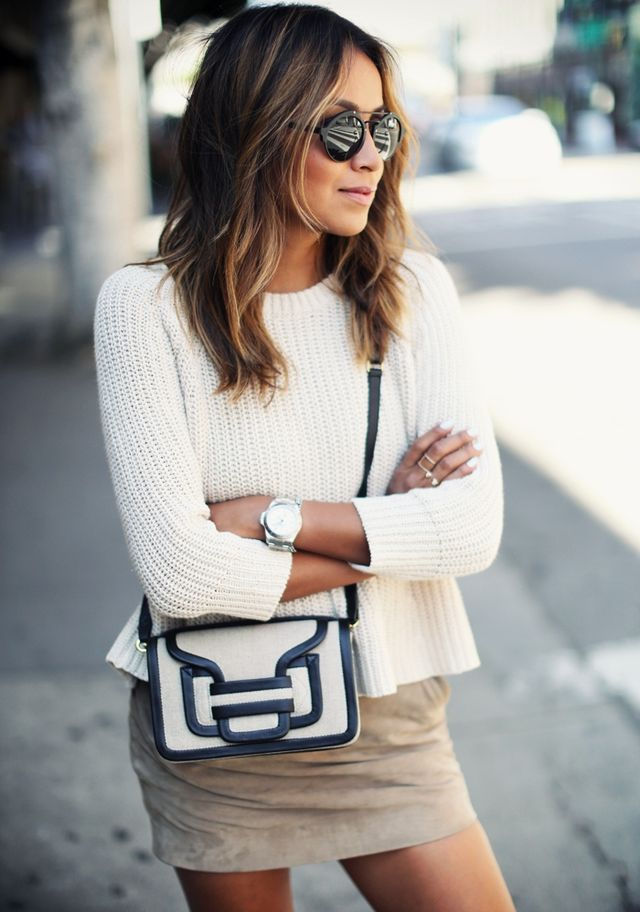 Moda. Sincerely jules summer spring fashion. Black and white cream clutch bag