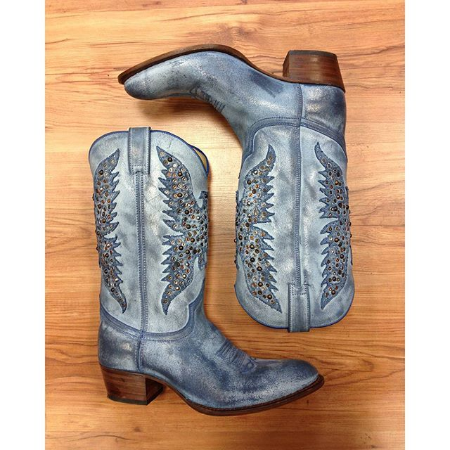 Blue Eagles Cowboy Style...you&Sendra  #sendra #sendraboots #highquality #handmadeboots #madeinspain #loveboots #fashionboots #fashion #design #trend #look #streetstyle #style #outfit #ootd #outfitoftheday #bestoftheday #photooftheday #picoftheday #cowboy #cowgirl #western #style #happymonday #instaboots #instadaily #instalike #instastyle