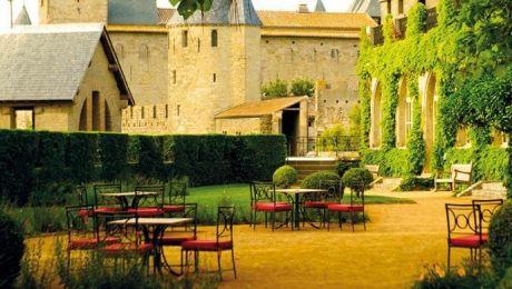 Dacă vrei să evadezi într-o poveste te poţi caza într-un castel. TOPUL hotelurilor care par a fi transmise din basme