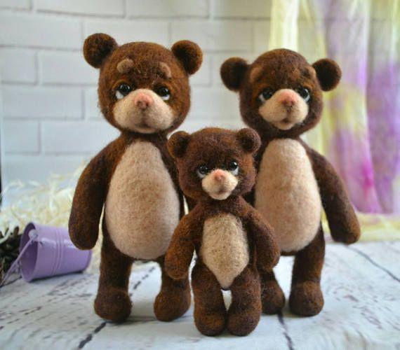 Hey, j'ai trouvé ce super article sur Etsy, chez https://www.etsy.com/ca-fr/listing/488891503/feutree-a-laiguille-ours-famille-vente