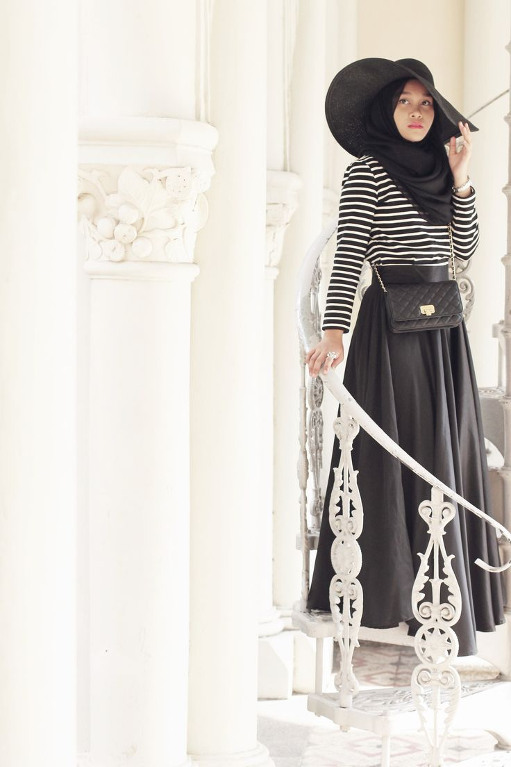 Striped and Black  /  In My Shawls Blog / Inspiration for Hijab, hijab fashion, hijab style
