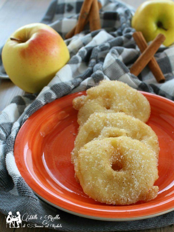 Le Frittelle di mele al profumo di arancia e cannella, sono una vera e propria delizia per il palato, perchè racchiudono