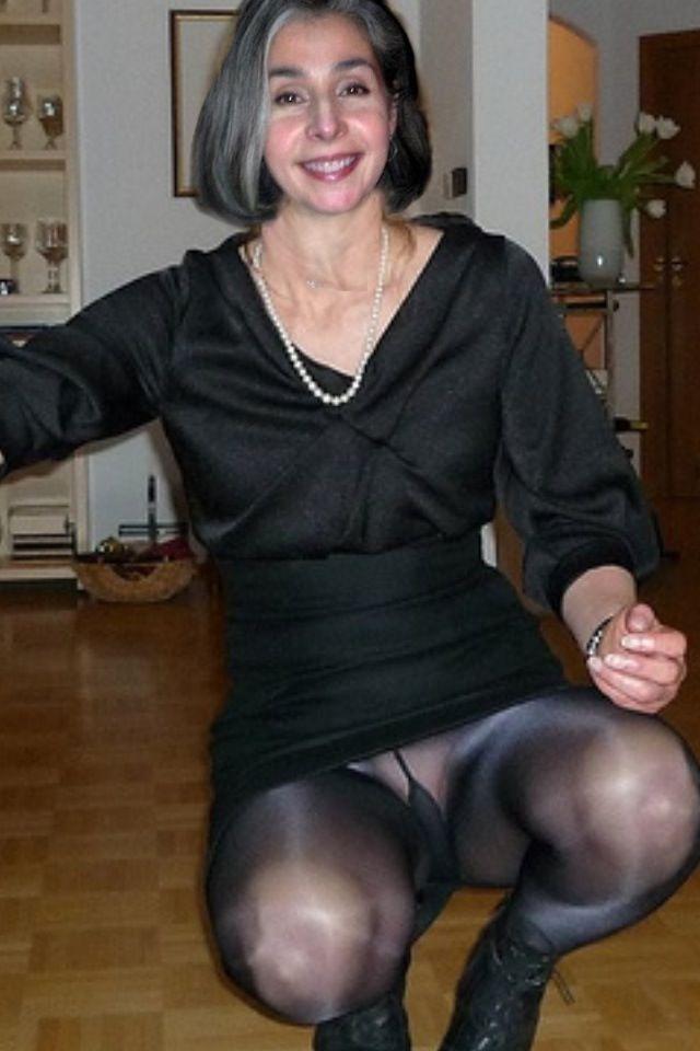 Ladies Flashing Pantyhose Nylon 112