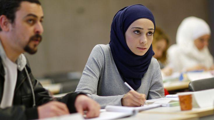 «Une étape historique» : Berlin crée une loi sanctionnant les réfugiés qui ne s'intègrent pas