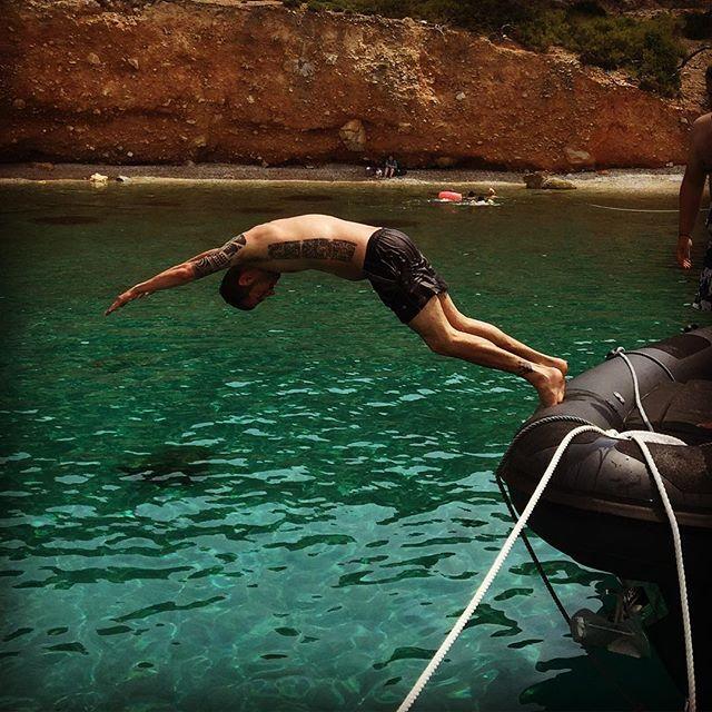 Dive in!!! #summer #sea #vacations #summeringreece #sailingingreece #yachting #vipvacation #sailyachts #islands #greekislands #sailingfun #ribyachts #charteryacht #chartertyachtsingreece #swimmingingreece #visitgreece