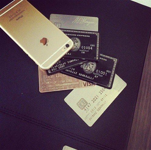 Apple iphone 6s • American Express (black) Centurion Card or (white) (Visa) Stratus Rewards • Visa (Visa Infinite Gold) • Marriott Rewards premiere (Visa Signature)