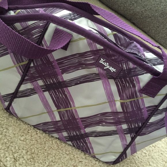 NEW! Thirty-One Lunch Break Thermal Bag Diagonal Purple and Pink paintbrush stripes adorn this sturdy and solid thermal lunch bag by THIRTY-ONE. ✨✨BRAND NEW!✨✨ (NWOT) Thirty-One Bags Travel Bags