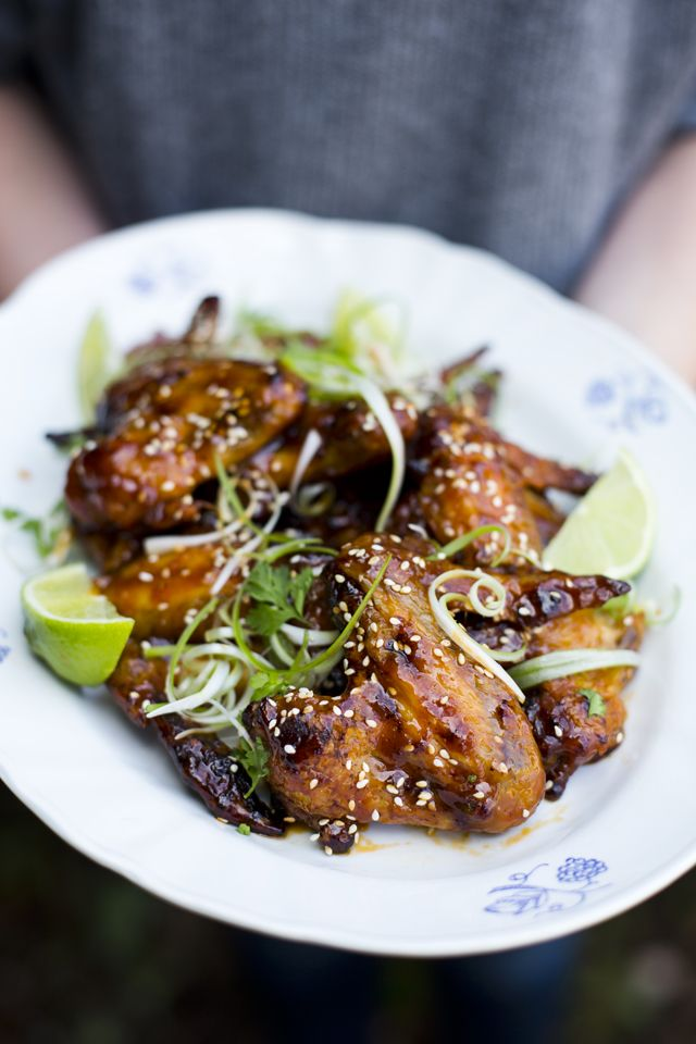 I LOVE Sriracha Sauce and what better way to eat it, then smothered on tasty chicken wings! This glaze is sweet and spicy in all the right ways and will have your guests licking their fingers and aski
