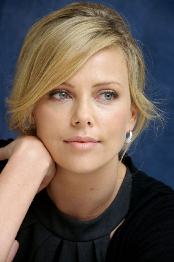 Charlize Theron blonde hair