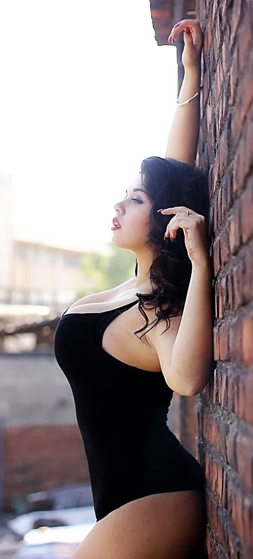 figured full curvy women