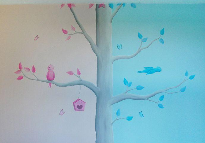 muurschildering voor in een gedeelde kinderkamer van een jongetje en meisje. Ontworpen en geschilderd door Birgit Charles/ BIM Muurschildering.