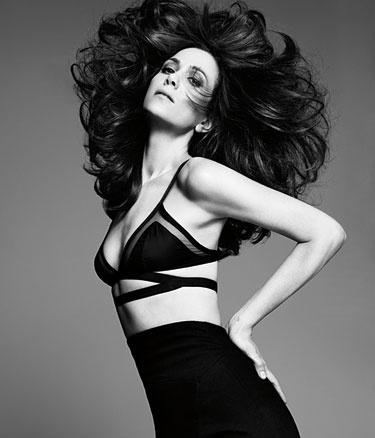 Kristen Wiig Profile - Kristen Wiig Quotes on Female Comedians - Harpers BAZAAR