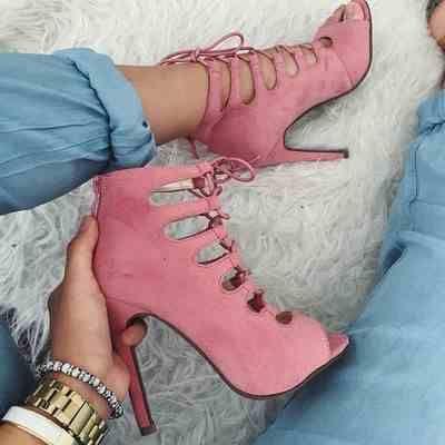 Perfect pink heels.