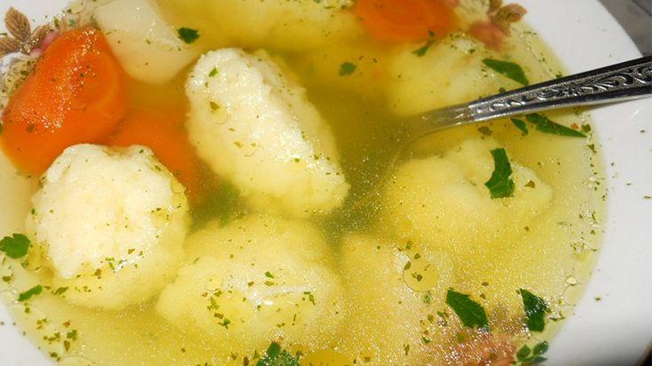 Supă de găluște proaspătă